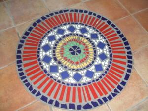 Kruhová mandala vyrobená do domu v centru Brna